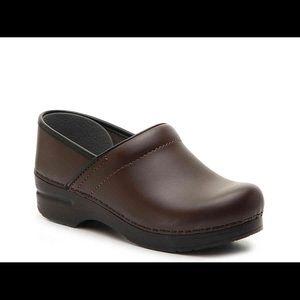 Like new brown Dansko clogs